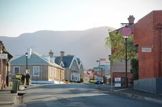 10 free things to do in Hobart - A Globe Well Travelled North Hobart, Flight Specials, Salamanca Market, Tasmania Hobart, Hunter Street, Relaxing Day, Free Things To Do, City Break, City Buildings