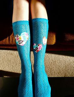 applique your knee socks! all you have to do is respect the stretchiness