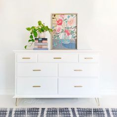 Upcycled Furniture, Furniture Projects, Furniture Makeover, Vintage Furniture, Cool Furniture, Painted Furniture, White Furniture Inspiration, Wood Dresser, Hairpin Legs