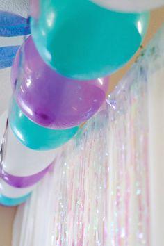 Frozen Birthday Party via Kara's Party Ideas KarasPartyIdeas.com Cake, decor…