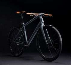 Presentato all'Eurobike 2013 questo concept di bicicletta urbana dell'azienda tedesca Canyon certo non passerà inosservato per il suoi contenuti innovativi, la qualità dei materiali ed il moderno design. Canyon ha messo a frutto tutta la sua esperienza basata sulla produzione...