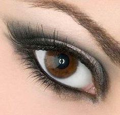 Arabic Eye Makeup Muted Arabic Eye Makeup Arabic Make Up! Arab girls make up (strong) makeup Smokey+eye+makeup Eyes - Makeup Tutorial eyes i. Beautiful Eye Makeup, Natural Eye Makeup, Natural Eyes, Gorgeous Eyes, Eye Makeup Tips, Smokey Eye Makeup, Hair Makeup, Smoky Eye, Makeup Ideas