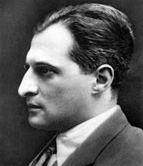 13 września 1894 roku to dzień, w którym Julian Tuwim przyszedł na świat . Poeta urodził się w Łodzi .