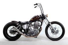 Bobber Bikes, Cafe Racer Bikes, Bobber Motorcycle, Moto Bike, Custom Choppers, Custom Bikes, Yamaha Sr400, Bobber Style, Sr500