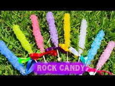 How to make fake rock candy. Candy Land Christmas, Candy Christmas Decorations, Diy Christmas Ornaments, Holiday Decor, Fake Cupcakes, Fake Cake, Elf Centerpieces, Fake Rock, Fairy Tea Parties