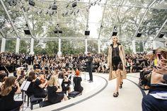 Burberry Prorsum Spring 2016 Ready-to-Wear Fashion Show Atmosphere