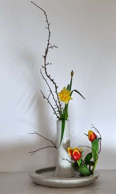 les bouquets - Art floral japonais Ikebana, Bouquets, Art Floral, Bonsai, Flower Arrangements, Plants, Floral Arrangement, Color, Flowers