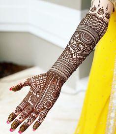 Thursday Throwback to Bridal Henna for beautiful Sana ? Henna Hand Designs, Mehndi Designs Finger, Wedding Henna Designs, Indian Henna Designs, Engagement Mehndi Designs, Latest Bridal Mehndi Designs, Full Hand Mehndi Designs, Mehndi Designs 2018, Mehndi Designs For Girls