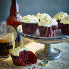 Stout brings a depth of flavour to these cakes, as well as keeping them beautifully light and moist No Bake Chocolate Cake, Chocolate Stout Cake, Guinness Chocolate, Chocolate Cupcakes, Porter Cake, Guinness Recipes, Sweet Recipes, Cake Recipes, Cake Preparation