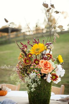 Country Wedding Flower decor, great for a fall wedding....
