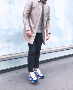 #paris #ootd #ootdmen #outfitoftheday #outfit #fashion #menstyle #menswear #mensfashion #menfashion #trench #sneakers #sneakerhead #adidas #adidastorsion light #wall #street #trenchcoat #adidasoriginals #riverisland #cosstores #simplefits #sneakers