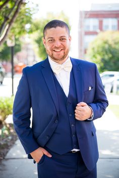 Groom before the ceremony. My Photos, Groom, Suit Jacket, Breast, Wedding Photography, Suits, Jackets, Fashion, Down Jackets