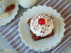 La Boheme Mono Portion Cake – a Romanian dessert - simonacallas Romanian Desserts, Pastry Shop, Cake Decorating, Pudding, Sweets, Food, Recipes, Cook, Sweet Pastries