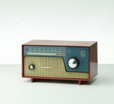 Radio Design, Speaker Design, Vintage Design, Retro Vintage, Retro Radios, Retro Office, Diy Speakers, Retro Images, Transistor Radio