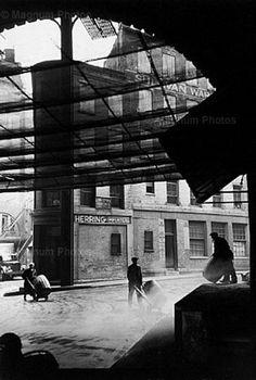 Fulton street, Fish market, New-York, Manhattan, 1947 (c) Henri Cartier-Bresson