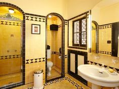 Never Change, Colorful Tile Bathrooms in Old LA Houses is part of Colorful bathroom tile We are of the opinion that there& a special place in hell reserved for those who rip out a perfectly good vi - Yellow Bathrooms, Vintage Bathrooms, Tile Bathrooms, Bathroom Cabinets, Art Deco Bathroom, Bathroom Paint Colors, Small Bathroom, Colorful Bathroom, Bathroom Black