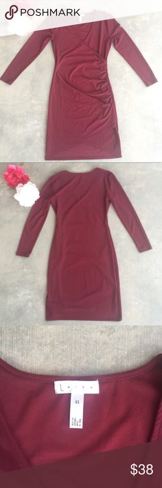 82e2892fdb73 Leith Ruched V Neck Long Sleeve Dress Leith Ruched V Neck Long Sleeve Dress  Condition  Like New