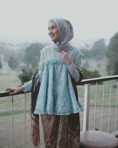 18 Ideas Sewing Dress Wedding Simple For 2019 Kebaya Hijab, Kebaya Dress, Kebaya Muslim, Hijab Dress, Hijab Outfit, Mori Fashion, Hijab Fashion, Modern Kebaya, Toddler Skirt