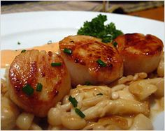 Seared Scallops in Spicy Cream Sauce with Buna Shimeji Mushrooms Recipe | Easy Asian Recipes at RasaMalaysia.com