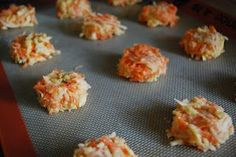TODDLER FOOD - Carrot apple cheddar bites.  Must make for Benji!