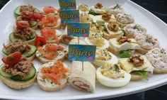In dutch Party Finger Foods, Snacks Für Party, Appetizer Recipes, Snack Recipes, Cooking Recipes, Brunch, Fingerfood Party, Happy Foods, High Tea