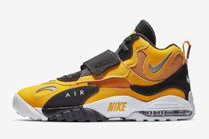 9ad001628e Sneakers Nike Jordan, Air Max Sneakers, Nike Shoes, Custom Jordans, Knit  Sneakers
