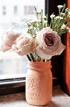 DIY Painted Mason Jar Vase. Love, love this painted jar. Great idea for our center pieces!