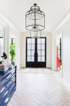 We are starting the year off strong with this colorful home tour featured in one of my design favorites, DOMINO MAGAZINE. This home was so much fun to shoot and Design Entrée, Interior Design, Design Ideas, Interior Styling, Chevron Floor, Chevron Tile, Entry Hallway, Entrance Hall, Entry Way Tile