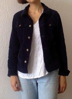 Blaue Cord-Jacke oder Kord