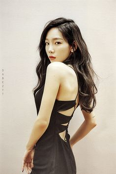 Taeyeon (태연) is a South Korean soloist under SM Entertainment. Taeyeon is currently a member of Girls' Generation (SNSD). Snsd, Girls Generation, Kim Hyoyeon, Sooyoung, Kpop Girl Groups, Kpop Girls, Taeyeon Persona, Korean Actresses, Beautiful Asian Girls