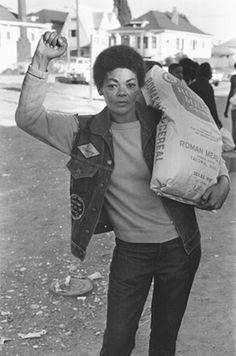 Free Food for Community Programme, 1971, Oakland, via Stephen Shames