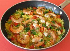 """SOSCuisine: """"Paella"""" rapide aux crevettes [Entrée] Préparation 10 min / Cuisson 30 min cette #recette est faible en gras saturés et idéale pour les sportifs et les personnes souffrant de #diabete"""