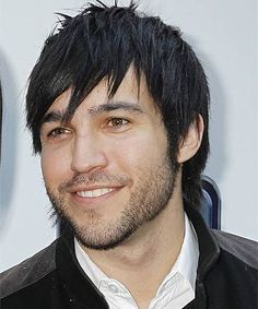 I almost forgot how in love with this fellow I used to be! He'll always be my celebrity crush Oh Pete Wentz. Fall Out Boy, Jaime Preciado, Dallon Weekes, American Psycho, Mikey Way, Pete Wentz, Emo Bands, Film Music Books, Pop Punk