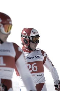 What do you think of this ski pros preparing for action? Check out the whole spread on my page. ❄️ #raiffeisen #raiffeisenbank #advertising #campaign #schweiz #switzerland #swiss #ski #piste #skiing #skirun #winter #sports #action #snow #sponsoring #campaign #training #Engadin #StMoritz