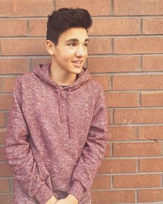 Hey,  I'm Daniel.  Older brother to Kenzie.  I'm 16 and single.  I love to sing…
