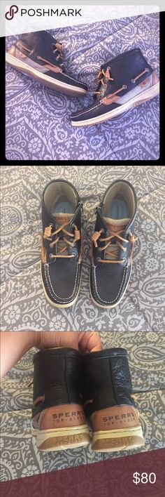 Sperry Top Sider  High Tops Excellent condition ▫️like new Sperry Top-Sider Shoes Ankle Boots & Booties