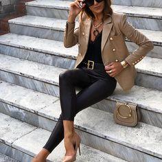 May 2020 - khaki blazer outfits blazer jacket womens wear 2020 spring summer blazer street style Blazer Outfits For Women, Blazer Jackets For Women, Classy Outfits, Stylish Outfits, Blazer Outfits Casual, Blazers For Women, Classic Outfits For Women, Casual Blazer Women, Business Casual Outfits For Women