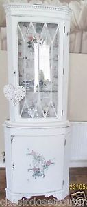 SHABBY-CHIC-CORNER-CABINET-DISPLAY-UNIT-WHITE-FRENCH-GRAPHIC-DISTRESSED-ANTIQUE