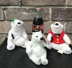 Vintage Coca Cola Glass Bottle 8oz Full 1995 Christmas Santa Claus 3 Polar  Bear  CocaCola e725e77ac857