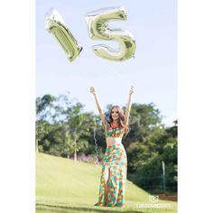 Ensaio Sarah 15 anos.... #carluciomedeirosfotografia #fotografiaanapolis #fotografiabrasilia #fotografiagoiania #15anos #debutante… Tumblr Birthday, Cute Birthday Pictures, Book 15 Anos, Quinceanera Photography, Islamic Wall Art, Girly, Photoshoot, Portrait, Instagram