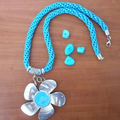 Handmade cord color turquoise necklace, color turquoise cord, handmade necklace, gift for her, silver and color turquoise pendant, de PekitasCreations en Etsy