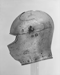 Armet Date: ca. 1430–40 Culture: Italian Medium: Steel Dimensions: Wt. 9 lb. 7 oz. (4288 g) Classification: Helmets Credit Line: Bashford Dean Memorial Collection, Funds from various donors, 1929 Accession Number: 29.158.5