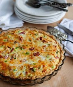 Meat Lovers Quiche Recipe is for those who love a more hearty meal. This quiche with eggs, bacon, sausage, ham, green onions and shredded cheese will be a very filling and satisfying dinner for your family. Breakfast Dishes, Breakfast Time, Breakfast Recipes, Breakfast Casserole, Breakfast Meat, Easy Breakfast Quiche Recipe, Yummy Quiche, Quick Quiche, Healthy Quiche