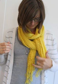 after last week& wiww, i had a handful of requests for a little scarf tying lesson - so here we go! oh, first a little clarification: the pictures were all taken by my girls, hence a little blur a. Ways To Tie Scarves, Ways To Wear A Scarf, How To Wear Scarves, Fashion Beauty, Fashion Looks, Fashion Tips, Scarf Tying Tutorial, Scarf Knots, Cute Scarfs