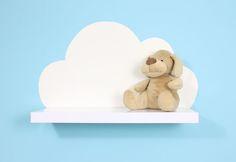 Una estantería con forma de nube