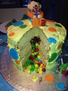 Mr tumble piñata cake!