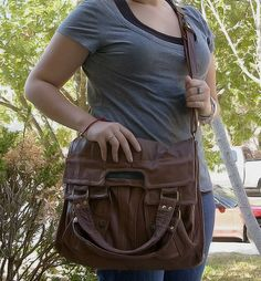 recycled leather bag - lotsa great pics, zipper placement, adjustable straps, name tag - no tutorial