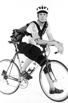 San Francisco Bike Messenger on Behance | Shared from http://hikebike.net