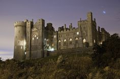 #Arundel_Castle West Sussex UK ,c1067  founded by Rodger de Montgomery, kinsman to William the Conqueror. It became home to the 1st Earl of Arundel and is said to be haunted by him to this day. Since 1630 there have been reports of a Blue Man that floats around the library as he browses through the books. Some have talked about seeing a boy ghost in the kitchen and other ghosts in the Servant Quarters. http://fringeparanormal.wordpress.com/2011/07/29/englands-haunted-arundel-castle/#