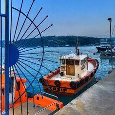 #istanbul#turkey#turkiye#instaturkey#turkishfollowers#cntravellertr#fotozamani#aniyakala#beautifuldestinations#passionpassport#guardiantravelsnaps#instagram#igworldclub#theworldshotz#photooftheday#natgeotravel#city#travel#light#streetart#streetphotographysea#orange#boat#bosphorus